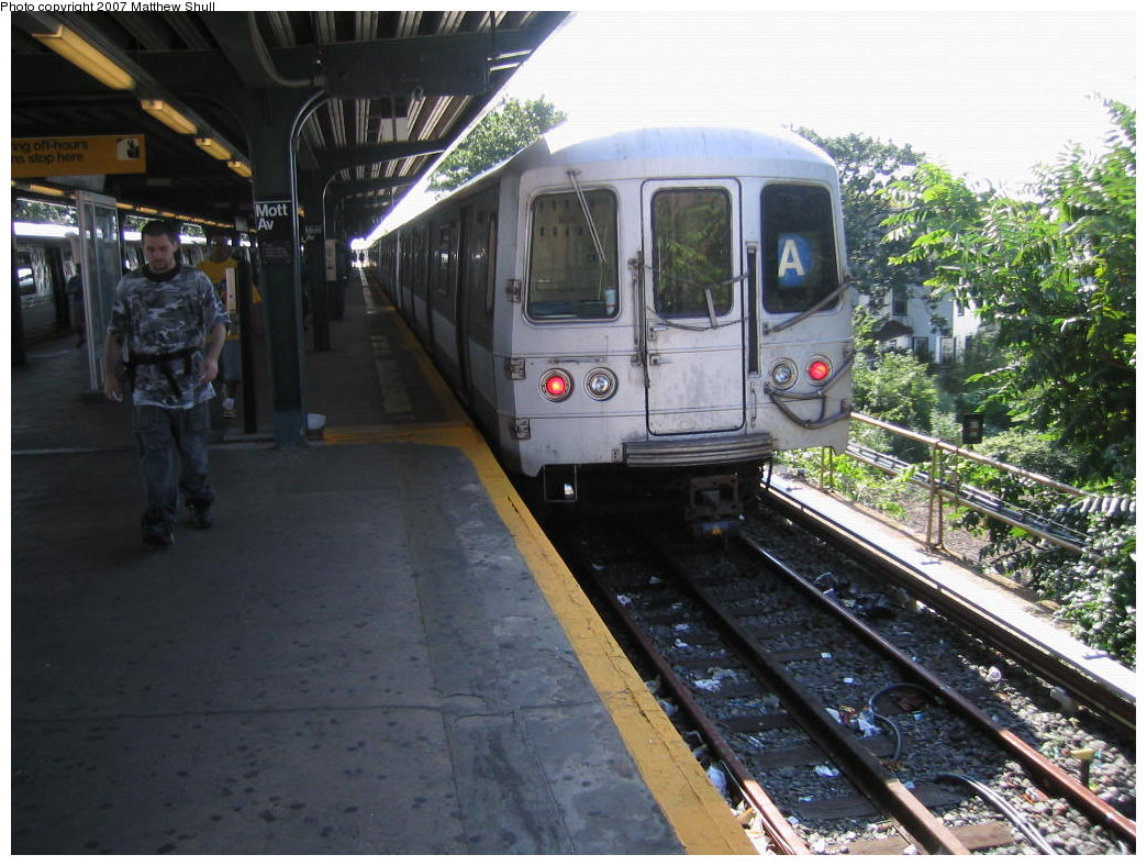 (198k, 1044x788)<br><b>Country:</b> United States<br><b>City:</b> New York<br><b>System:</b> New York City Transit<br><b>Line:</b> IND Rockaway<br><b>Location:</b> Mott Avenue/Far Rockaway <br><b>Route:</b> A<br><b>Car:</b> R-44 (St. Louis, 1971-73) 5358 <br><b>Photo by:</b> Matthew Shull<br><b>Date:</b> 8/27/2007<br><b>Viewed (this week/total):</b> 0 / 1237