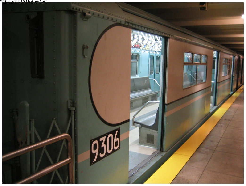 (125k, 1044x788)<br><b>Country:</b> United States<br><b>City:</b> New York<br><b>System:</b> New York City Transit<br><b>Location:</b> New York Transit Museum<br><b>Car:</b> R-33 World's Fair (St. Louis, 1963-64) 9306 <br><b>Photo by:</b> Matthew Shull<br><b>Date:</b> 8/31/2007<br><b>Viewed (this week/total):</b> 3 / 1656