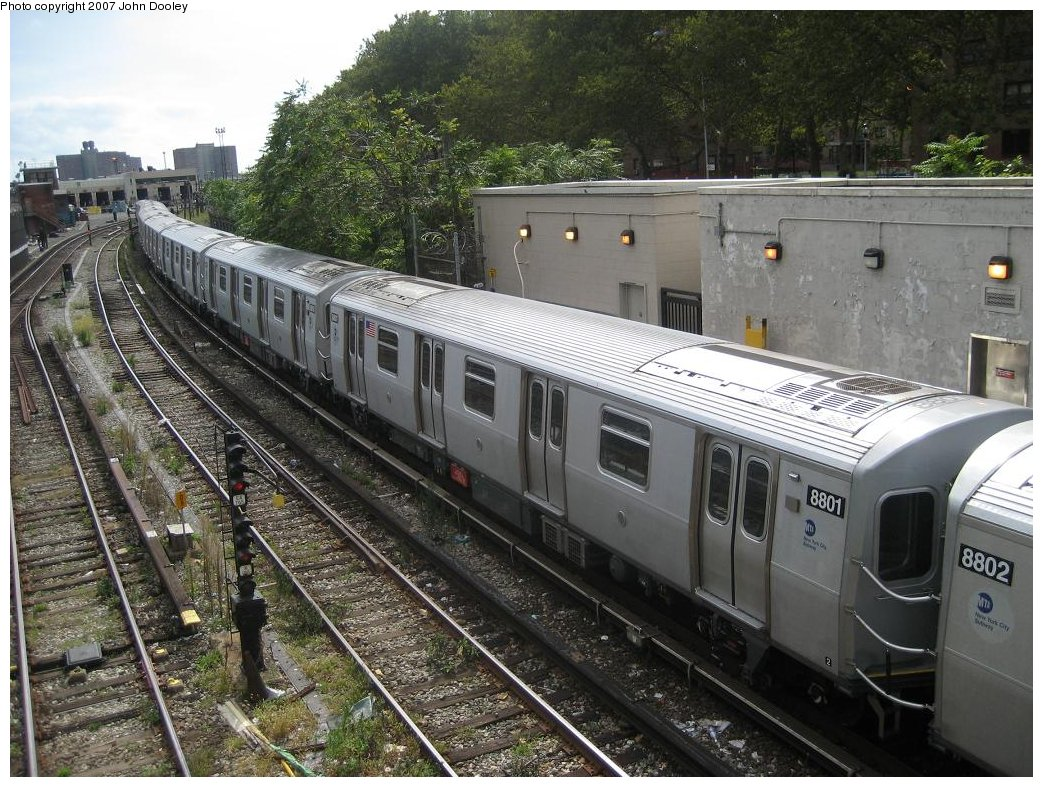 (231k, 1043x787)<br><b>Country:</b> United States<br><b>City:</b> New York<br><b>System:</b> New York City Transit<br><b>Line:</b> BMT Sea Beach Line<br><b>Location:</b> 86th Street <br><b>Route:</b> N<br><b>Car:</b> R-160B (Kawasaki, 2005-2008)  8801 <br><b>Photo by:</b> John Dooley<br><b>Date:</b> 10/1/2007<br><b>Viewed (this week/total):</b> 2 / 1611