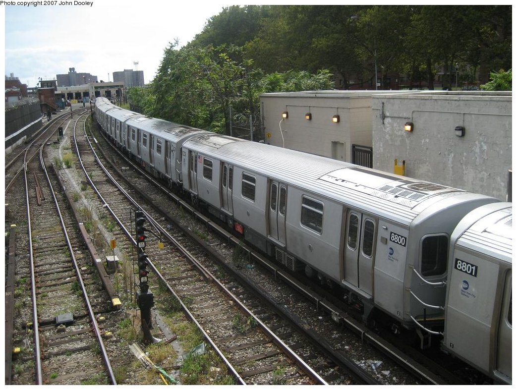 (240k, 1043x787)<br><b>Country:</b> United States<br><b>City:</b> New York<br><b>System:</b> New York City Transit<br><b>Line:</b> BMT Sea Beach Line<br><b>Location:</b> 86th Street <br><b>Route:</b> N<br><b>Car:</b> R-160B (Kawasaki, 2005-2008)  8800 <br><b>Photo by:</b> John Dooley<br><b>Date:</b> 10/1/2007<br><b>Viewed (this week/total):</b> 2 / 2213