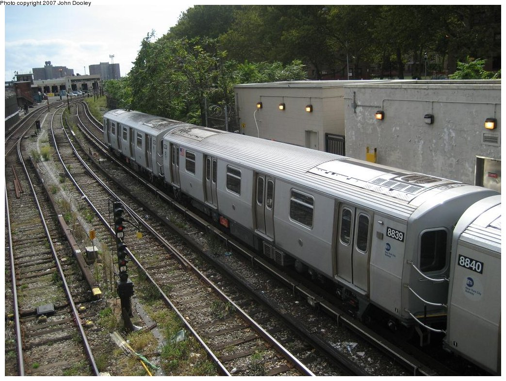 (235k, 1043x787)<br><b>Country:</b> United States<br><b>City:</b> New York<br><b>System:</b> New York City Transit<br><b>Line:</b> BMT Sea Beach Line<br><b>Location:</b> 86th Street <br><b>Route:</b> N<br><b>Car:</b> R-160B (Kawasaki, 2005-2008)  8839 <br><b>Photo by:</b> John Dooley<br><b>Date:</b> 10/1/2007<br><b>Viewed (this week/total):</b> 3 / 1855