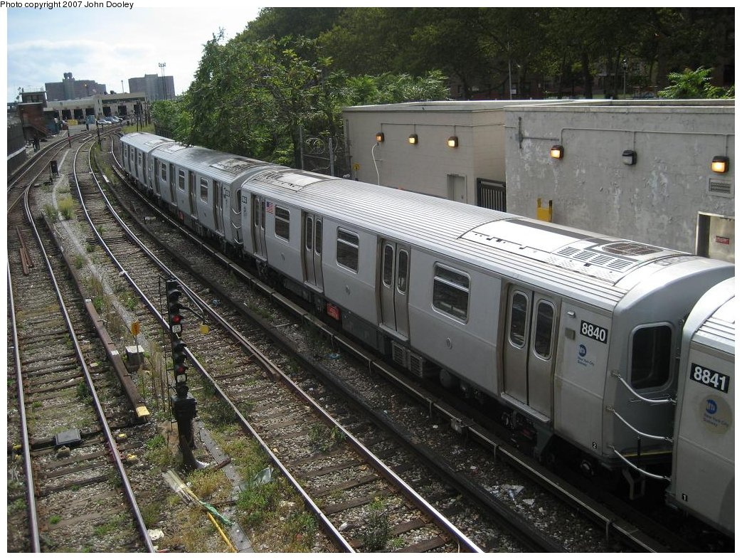 (241k, 1043x787)<br><b>Country:</b> United States<br><b>City:</b> New York<br><b>System:</b> New York City Transit<br><b>Line:</b> BMT Sea Beach Line<br><b>Location:</b> 86th Street <br><b>Route:</b> N<br><b>Car:</b> R-160B (Kawasaki, 2005-2008)  8840 <br><b>Photo by:</b> John Dooley<br><b>Date:</b> 10/1/2007<br><b>Viewed (this week/total):</b> 0 / 1329