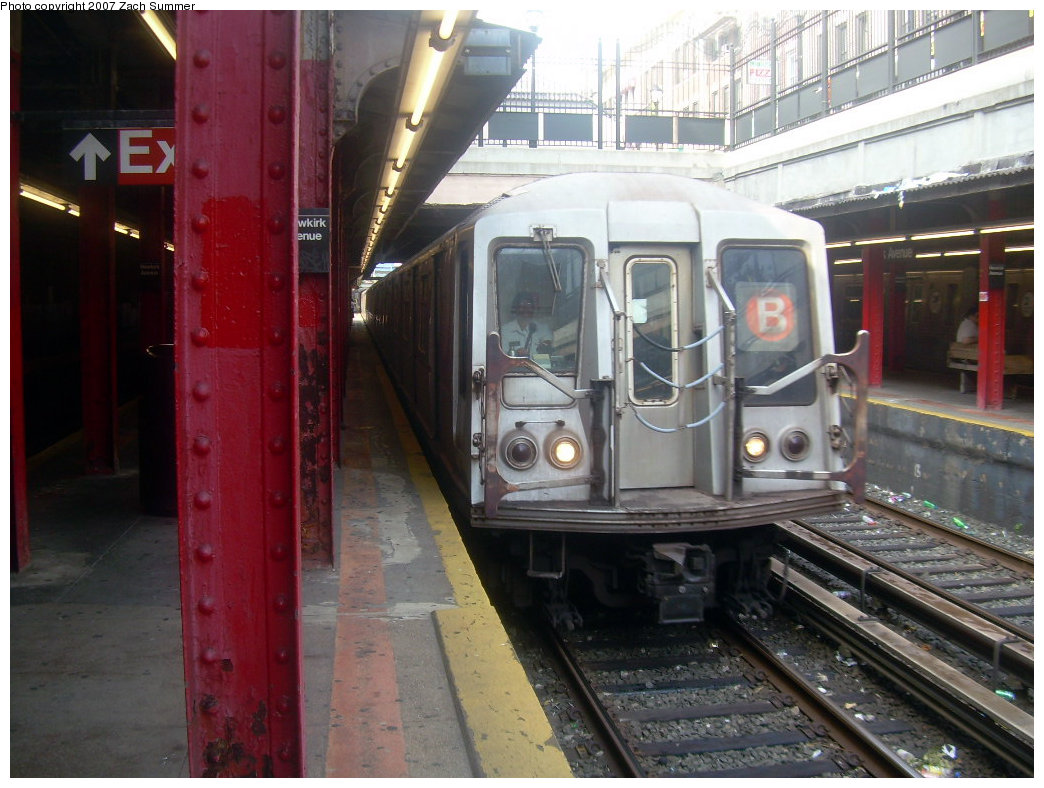 (212k, 1044x788)<br><b>Country:</b> United States<br><b>City:</b> New York<br><b>System:</b> New York City Transit<br><b>Line:</b> BMT Brighton Line<br><b>Location:</b> Newkirk Plaza (fmrly Newkirk Ave.) <br><b>Route:</b> B<br><b>Car:</b> R-40 (St. Louis, 1968)  4351 <br><b>Photo by:</b> Zach Summer<br><b>Date:</b> 9/10/2007<br><b>Viewed (this week/total):</b> 1 / 1230