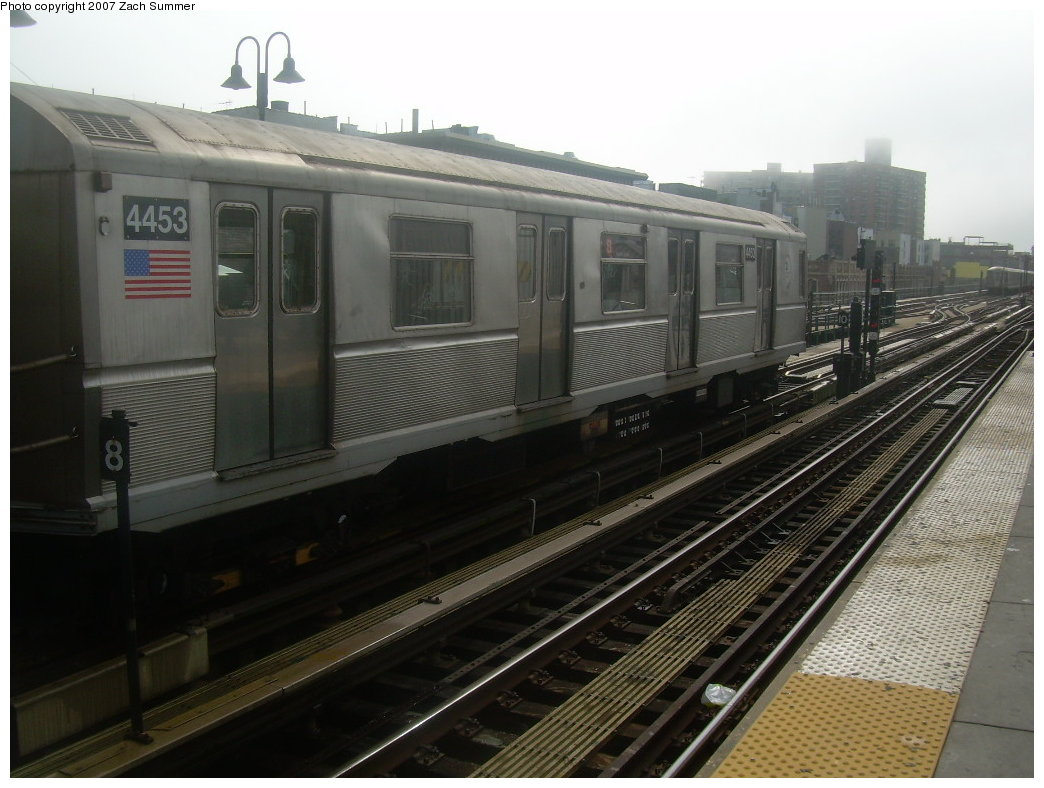 (188k, 1044x788)<br><b>Country:</b> United States<br><b>City:</b> New York<br><b>System:</b> New York City Transit<br><b>Line:</b> BMT Brighton Line<br><b>Location:</b> Brighton Beach <br><b>Route:</b> B<br><b>Car:</b> R-40M (St. Louis, 1969)  4453 <br><b>Photo by:</b> Zach Summer<br><b>Date:</b> 9/10/2007<br><b>Viewed (this week/total):</b> 0 / 904