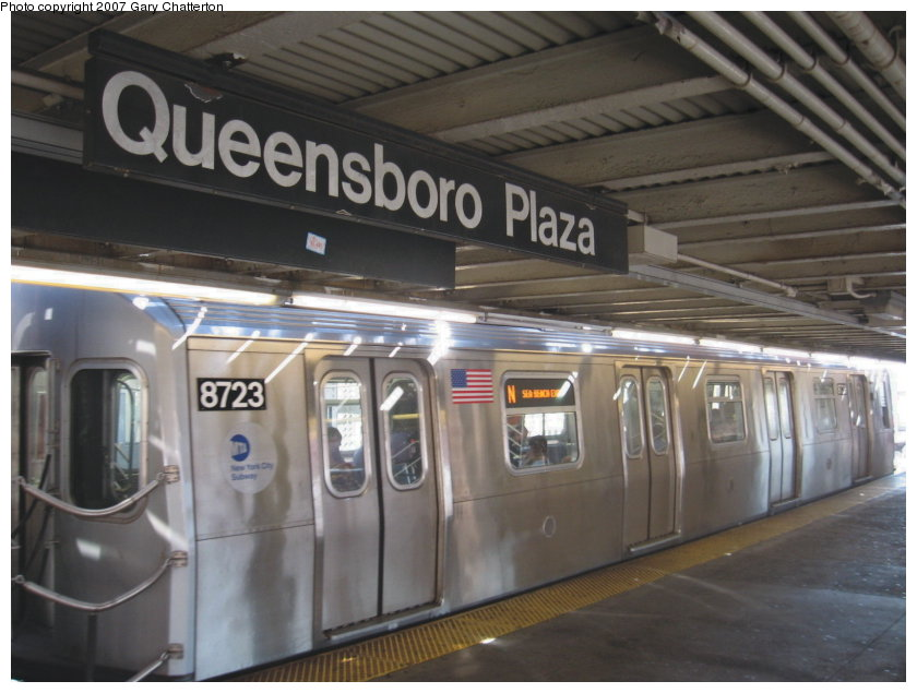 (101k, 840x635)<br><b>Country:</b> United States<br><b>City:</b> New York<br><b>System:</b> New York City Transit<br><b>Line:</b> BMT Astoria Line<br><b>Location:</b> Queensborough Plaza <br><b>Route:</b> N<br><b>Car:</b> R-160B (Kawasaki, 2005-2008)  8723 <br><b>Photo by:</b> Gary Chatterton<br><b>Date:</b> 9/25/2007<br><b>Viewed (this week/total):</b> 4 / 1739