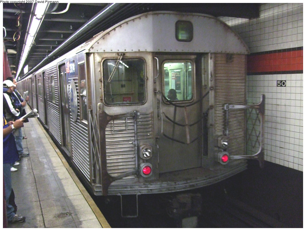 (229k, 1044x788)<br><b>Country:</b> United States<br><b>City:</b> New York<br><b>System:</b> New York City Transit<br><b>Line:</b> IND 6th Avenue Line<br><b>Location:</b> 47-50th Street/Rockefeller Center <br><b>Route:</b> F<br><b>Car:</b> R-32 (Budd, 1964)  3614 <br><b>Photo by:</b> David Pirmann<br><b>Date:</b> 10/2/2007<br><b>Viewed (this week/total):</b> 0 / 1733