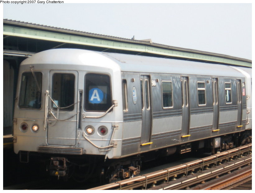 (89k, 820x620)<br><b>Country:</b> United States<br><b>City:</b> New York<br><b>System:</b> New York City Transit<br><b>Line:</b> IND Fulton Street Line<br><b>Location:</b> 104th Street/Oxford Ave. <br><b>Route:</b> A<br><b>Car:</b> R-44 (St. Louis, 1971-73) 5464 <br><b>Photo by:</b> Gary Chatterton<br><b>Date:</b> 9/8/2007<br><b>Viewed (this week/total):</b> 0 / 1265
