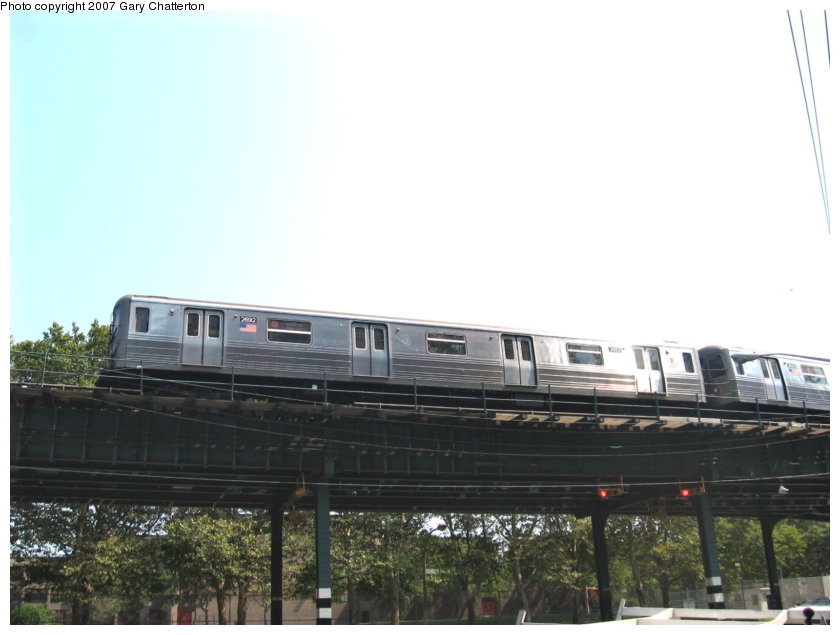 (82k, 840x635)<br><b>Country:</b> United States<br><b>City:</b> New York<br><b>System:</b> New York City Transit<br><b>Line:</b> BMT West End Line<br><b>Location:</b> Bay 50th Street <br><b>Route:</b> D<br><b>Car:</b> R-68 (Westinghouse-Amrail, 1986-1988)  2692 <br><b>Photo by:</b> Gary Chatterton<br><b>Date:</b> 9/8/2007<br><b>Viewed (this week/total):</b> 1 / 1320