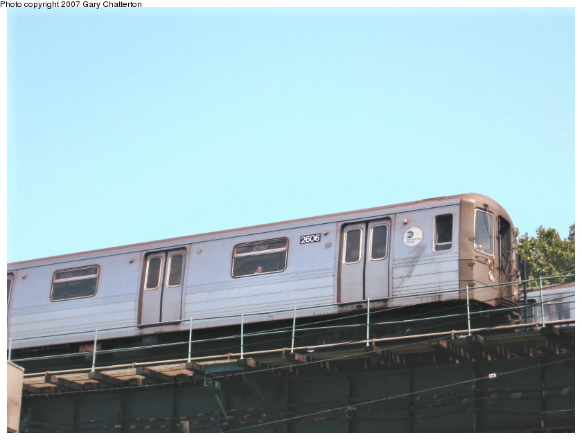 (75k, 840x635)<br><b>Country:</b> United States<br><b>City:</b> New York<br><b>System:</b> New York City Transit<br><b>Line:</b> BMT West End Line<br><b>Location:</b> Bay 50th Street <br><b>Route:</b> D<br><b>Car:</b> R-68 (Westinghouse-Amrail, 1986-1988)  2606 <br><b>Photo by:</b> Gary Chatterton<br><b>Date:</b> 9/8/2007<br><b>Viewed (this week/total):</b> 1 / 1095