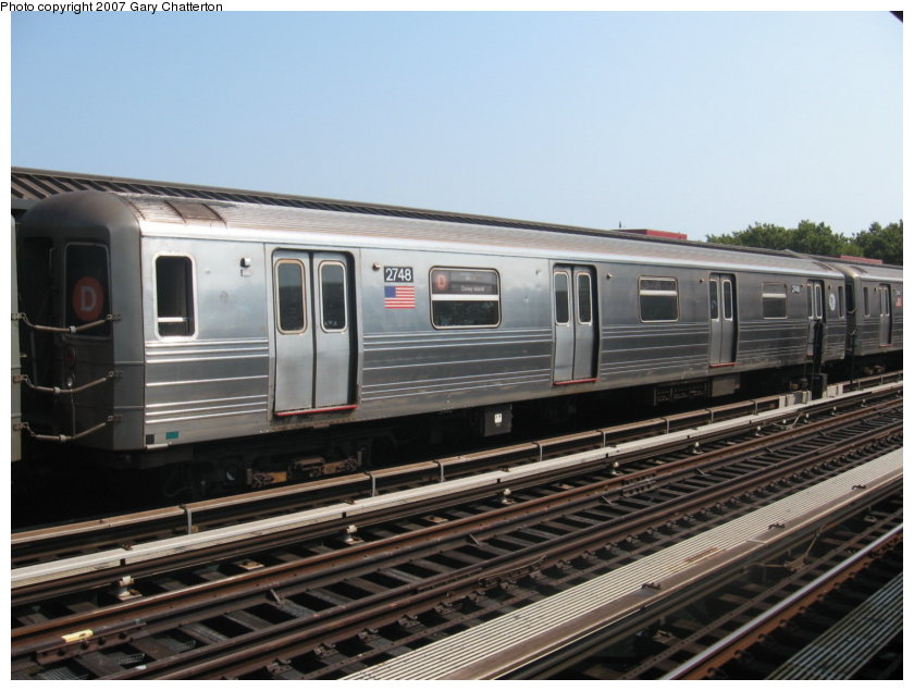 (106k, 840x635)<br><b>Country:</b> United States<br><b>City:</b> New York<br><b>System:</b> New York City Transit<br><b>Line:</b> BMT West End Line<br><b>Location:</b> Bay 50th Street <br><b>Route:</b> D<br><b>Car:</b> R-68 (Westinghouse-Amrail, 1986-1988)  2748 <br><b>Photo by:</b> Gary Chatterton<br><b>Date:</b> 9/8/2007<br><b>Viewed (this week/total):</b> 0 / 1256