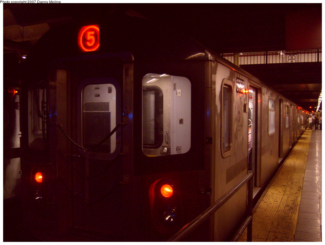 (166k, 1044x788)<br><b>Country:</b> United States<br><b>City:</b> New York<br><b>System:</b> New York City Transit<br><b>Line:</b> IRT East Side Line<br><b>Location:</b> Brooklyn Bridge/City Hall <br><b>Route:</b> 5<br><b>Car:</b> R-142 (Primary Order, Bombardier, 1999-2002)  6755 <br><b>Photo by:</b> Danny Molina<br><b>Date:</b> 10/8/2007<br><b>Viewed (this week/total):</b> 0 / 4290