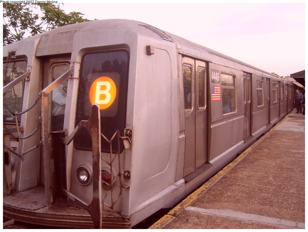(200k, 1044x788)<br><b>Country:</b> United States<br><b>City:</b> New York<br><b>System:</b> New York City Transit<br><b>Line:</b> BMT Brighton Line<br><b>Location:</b> Kings Highway <br><b>Route:</b> B<br><b>Car:</b> R-40 (St. Louis, 1968)  4449 <br><b>Photo by:</b> Danny Molina<br><b>Date:</b> 10/8/2007<br><b>Viewed (this week/total):</b> 0 / 1139