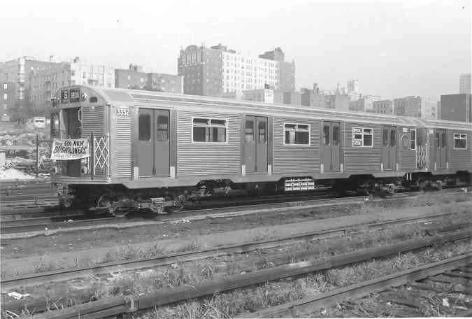 (27k, 675x456)<br><b>Country:</b> United States<br><b>System:</b> New York City Transit<br><b>Location:</b> Mott Haven Yard <br><b>Car:</b> R-32 (Budd, 1964)  3352 <br><b>Collection of:</b> Frank Pfuhler<br><b>Date:</b> 9/9/1964<br><b>Notes:</b> Introduction of the Brightliners.<br><b>Viewed (this week/total):</b> 0 / 1901