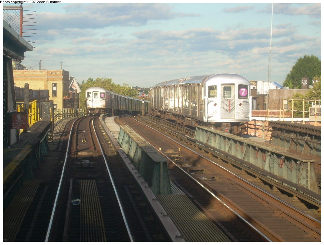 (202k, 1044x788)<br><b>Country:</b> United States<br><b>City:</b> New York<br><b>System:</b> New York City Transit<br><b>Line:</b> IRT Flushing Line<br><b>Location:</b> 52nd Street/Lincoln Avenue <br><b>Route:</b> 7<br><b>Car:</b> R-62A (Bombardier, 1984-1987)   <br><b>Photo by:</b> Zach Summer<br><b>Date:</b> 9/12/2007<br><b>Viewed (this week/total):</b> 2 / 1065