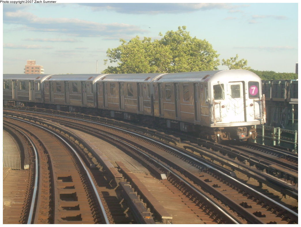 (206k, 1044x788)<br><b>Country:</b> United States<br><b>City:</b> New York<br><b>System:</b> New York City Transit<br><b>Line:</b> IRT Flushing Line<br><b>Location:</b> 46th Street/Bliss Street <br><b>Route:</b> 7<br><b>Car:</b> R-62A (Bombardier, 1984-1987)   <br><b>Photo by:</b> Zach Summer<br><b>Date:</b> 9/12/2007<br><b>Viewed (this week/total):</b> 12 / 1087