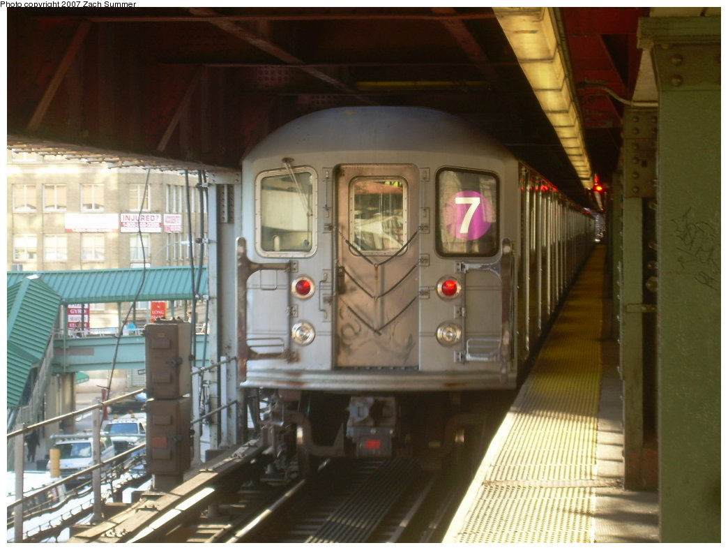 (190k, 1044x788)<br><b>Country:</b> United States<br><b>City:</b> New York<br><b>System:</b> New York City Transit<br><b>Line:</b> IRT Flushing Line<br><b>Location:</b> Queensborough Plaza <br><b>Route:</b> 7<br><b>Car:</b> R-62A (Bombardier, 1984-1987)  2025 <br><b>Photo by:</b> Zach Summer<br><b>Date:</b> 9/12/2007<br><b>Viewed (this week/total):</b> 0 / 1884