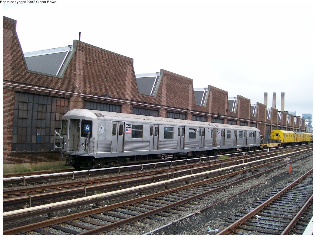 (210k, 1044x788)<br><b>Country:</b> United States<br><b>City:</b> New York<br><b>System:</b> New York City Transit<br><b>Location:</b> 207th Street Yard<br><b>Car:</b> R-42 (St. Louis, 1969-1970)  4949/4948 <br><b>Photo by:</b> Glenn L. Rowe<br><b>Date:</b> 10/11/2007<br><b>Viewed (this week/total):</b> 2 / 3864