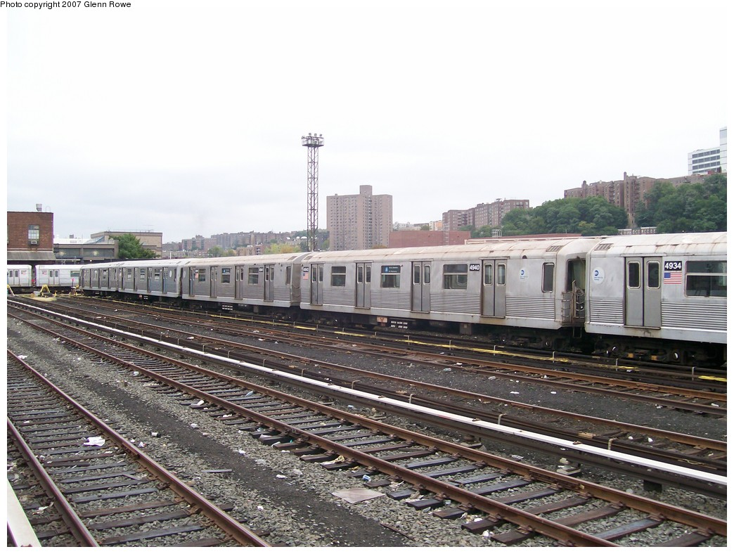 (231k, 1044x788)<br><b>Country:</b> United States<br><b>City:</b> New York<br><b>System:</b> New York City Transit<br><b>Location:</b> 207th Street Yard<br><b>Car:</b> R-42 (St. Louis, 1969-1970)  4940/1 <br><b>Photo by:</b> Glenn L. Rowe<br><b>Date:</b> 10/9/2007<br><b>Viewed (this week/total):</b> 0 / 1529