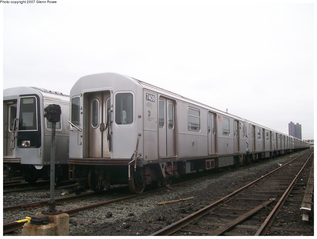 (160k, 1044x788)<br><b>Country:</b> United States<br><b>City:</b> New York<br><b>System:</b> New York City Transit<br><b>Location:</b> 207th Street Yard<br><b>Car:</b> R-142A (Primary Order, Kawasaki, 1999-2002)  7409 <br><b>Photo by:</b> Glenn L. Rowe<br><b>Date:</b> 10/9/2007<br><b>Viewed (this week/total):</b> 1 / 2996
