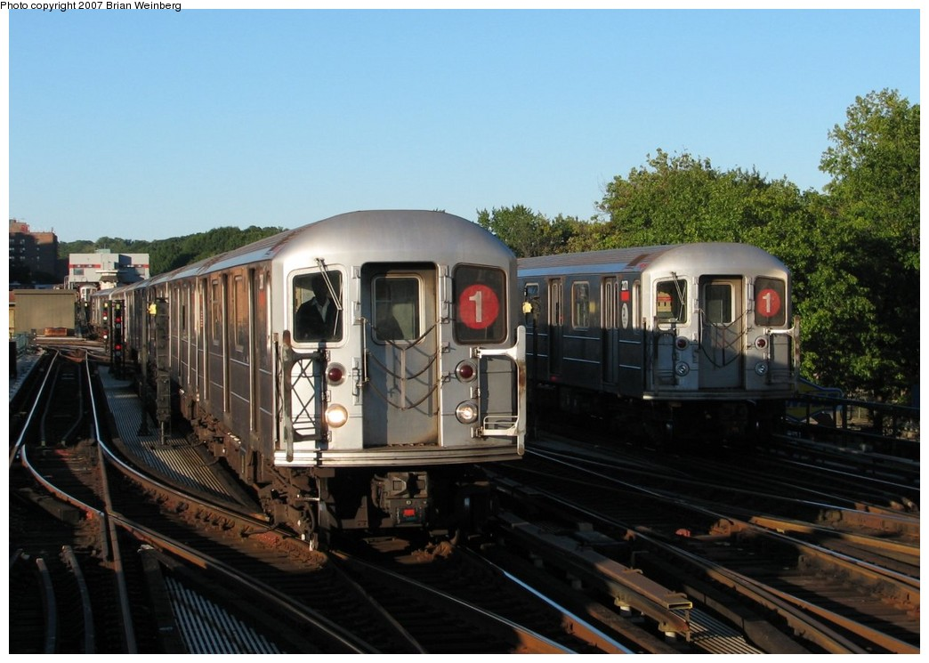 (184k, 1044x745)<br><b>Country:</b> United States<br><b>City:</b> New York<br><b>System:</b> New York City Transit<br><b>Line:</b> IRT West Side Line<br><b>Location:</b> 238th Street <br><b>Route:</b> 1<br><b>Car:</b> R-62A (Bombardier, 1984-1987)  2380/2271 <br><b>Photo by:</b> Brian Weinberg<br><b>Date:</b> 10/12/2007<br><b>Viewed (this week/total):</b> 0 / 2231