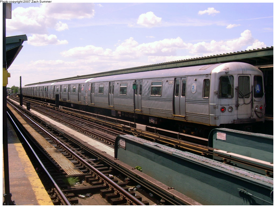 (290k, 1044x788)<br><b>Country:</b> United States<br><b>City:</b> New York<br><b>System:</b> New York City Transit<br><b>Line:</b> IND Fulton Street Line<br><b>Location:</b> Rockaway Boulevard <br><b>Route:</b> A<br><b>Car:</b> R-44 (St. Louis, 1971-73) 5392 <br><b>Photo by:</b> Zach Summer<br><b>Date:</b> 7/22/2007<br><b>Viewed (this week/total):</b> 2 / 804