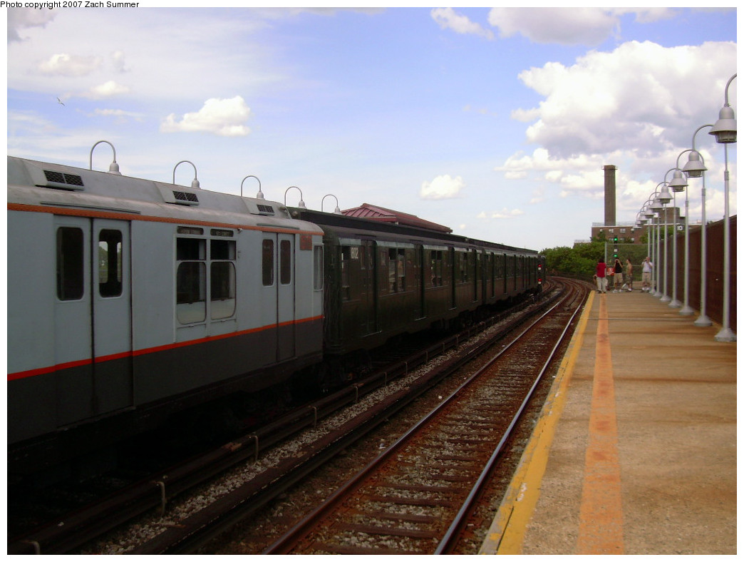 (214k, 1044x788)<br><b>Country:</b> United States<br><b>City:</b> New York<br><b>System:</b> New York City Transit<br><b>Line:</b> IND Rockaway<br><b>Location:</b> Beach 90th Street/Holland <br><b>Route:</b> Fan Trip<br><b>Car:</b> R-7A (Pullman, 1938)  1575 <br><b>Photo by:</b> Zach Summer<br><b>Date:</b> 7/22/2007<br><b>Viewed (this week/total):</b> 2 / 1203