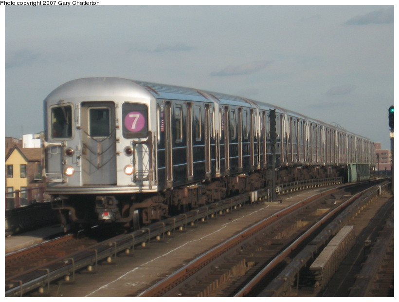 (109k, 820x620)<br><b>Country:</b> United States<br><b>City:</b> New York<br><b>System:</b> New York City Transit<br><b>Line:</b> IRT Flushing Line<br><b>Location:</b> 40th Street/Lowery Street <br><b>Route:</b> 7<br><b>Car:</b> R-62A (Bombardier, 1984-1987)  1656 <br><b>Photo by:</b> Gary Chatterton<br><b>Date:</b> 10/15/2007<br><b>Viewed (this week/total):</b> 0 / 919