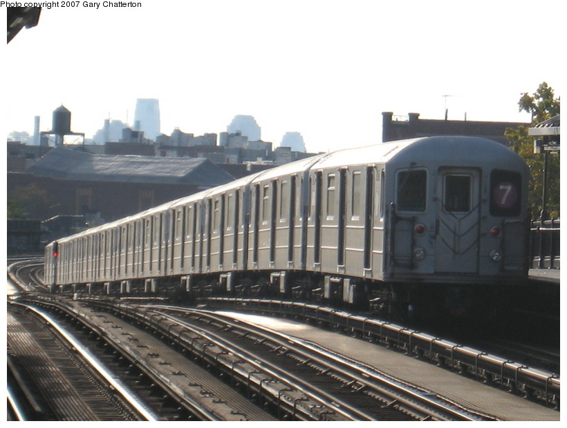 (118k, 820x620)<br><b>Country:</b> United States<br><b>City:</b> New York<br><b>System:</b> New York City Transit<br><b>Line:</b> IRT Flushing Line<br><b>Location:</b> 52nd Street/Lincoln Avenue <br><b>Route:</b> 7<br><b>Car:</b> R-62A (Bombardier, 1984-1987)  2112 <br><b>Photo by:</b> Gary Chatterton<br><b>Date:</b> 10/15/2007<br><b>Viewed (this week/total):</b> 2 / 963