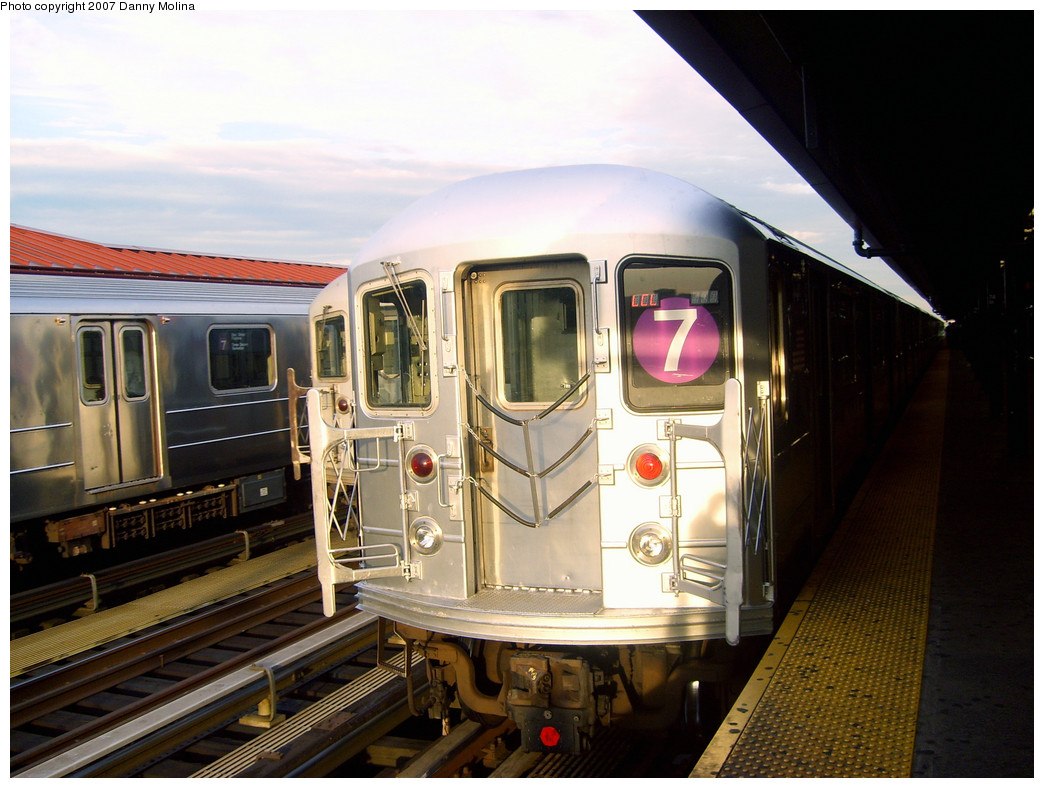 (257k, 1044x788)<br><b>Country:</b> United States<br><b>City:</b> New York<br><b>System:</b> New York City Transit<br><b>Line:</b> IRT Flushing Line<br><b>Location:</b> 74th Street/Broadway <br><b>Route:</b> 7<br><b>Car:</b> R-62A (Bombardier, 1984-1987)  1736 <br><b>Photo by:</b> Danny Molina<br><b>Date:</b> 10/16/2007<br><b>Viewed (this week/total):</b> 0 / 1212