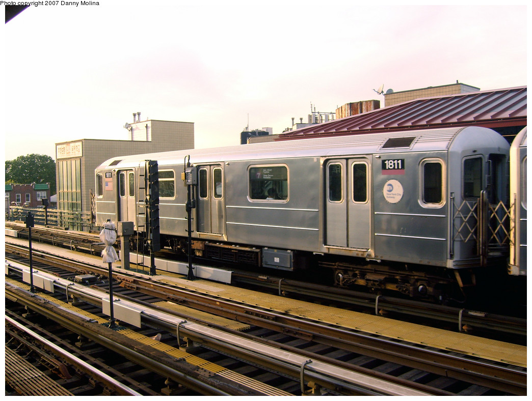 (280k, 1044x788)<br><b>Country:</b> United States<br><b>City:</b> New York<br><b>System:</b> New York City Transit<br><b>Line:</b> IRT Flushing Line<br><b>Location:</b> 74th Street/Broadway <br><b>Route:</b> 7<br><b>Car:</b> R-62A (Bombardier, 1984-1987)  1811 <br><b>Photo by:</b> Danny Molina<br><b>Date:</b> 10/16/2007<br><b>Viewed (this week/total):</b> 0 / 1058