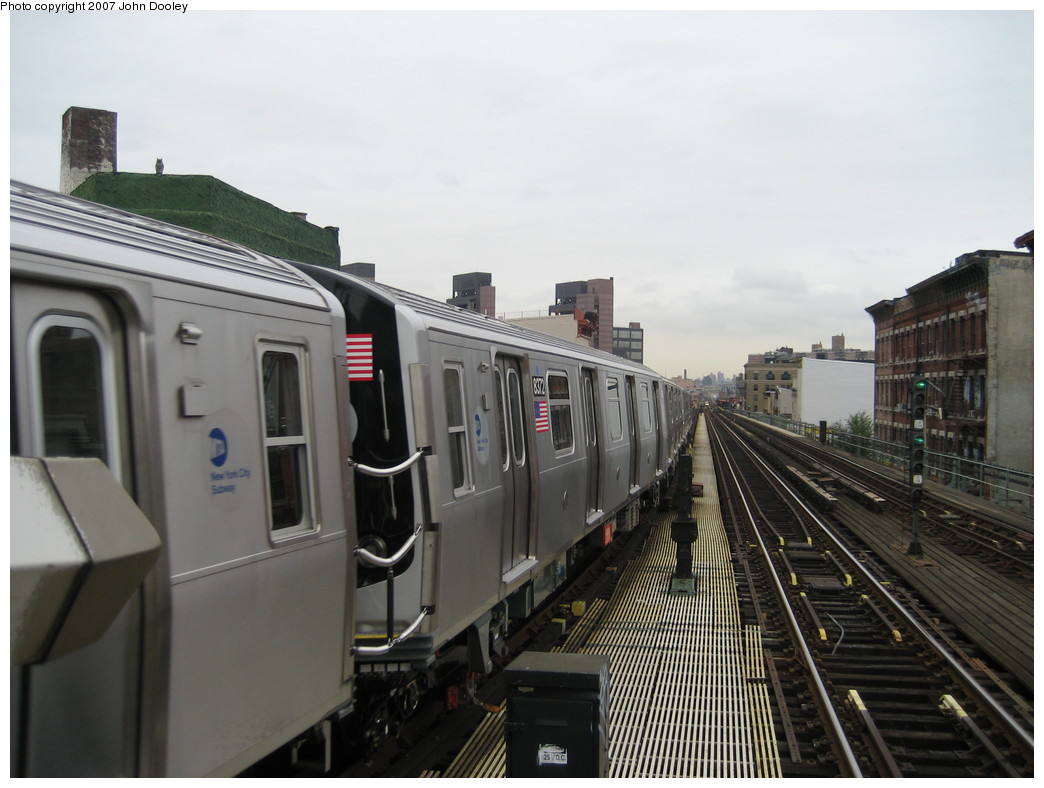 (179k, 1044x788)<br><b>Country:</b> United States<br><b>City:</b> New York<br><b>System:</b> New York City Transit<br><b>Line:</b> BMT Nassau Street/Jamaica Line<br><b>Location:</b> Myrtle Avenue <br><b>Route:</b> Z<br><b>Car:</b> R-160A-1 (Alstom, 2005-2008, 4 car sets)  8372 <br><b>Photo by:</b> John Dooley<br><b>Date:</b> 10/26/2007<br><b>Viewed (this week/total):</b> 1 / 2153