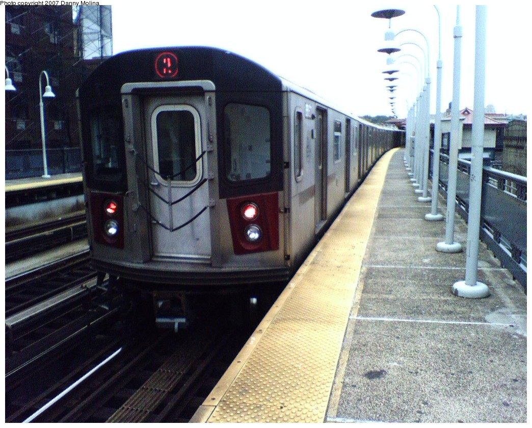 (253k, 1044x839)<br><b>Country:</b> United States<br><b>City:</b> New York<br><b>System:</b> New York City Transit<br><b>Line:</b> IRT White Plains Road Line<br><b>Location:</b> Freeman Street <br><b>Route:</b> 2<br><b>Car:</b> R-142 or R-142A (Number Unknown)  <br><b>Photo by:</b> Danny Molina<br><b>Date:</b> 10/26/2007<br><b>Viewed (this week/total):</b> 7 / 2111