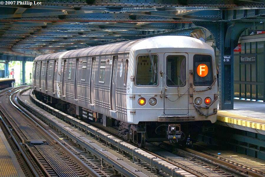 (162k, 900x602)<br><b>Country:</b> United States<br><b>City:</b> New York<br><b>System:</b> New York City Transit<br><b>Line:</b> BMT Culver Line<br><b>Location:</b> West 8th Street <br><b>Route:</b> F<br><b>Car:</b> R-46 (Pullman-Standard, 1974-75)  <br><b>Photo by:</b> Phillip Lee<br><b>Date:</b> 6/25/2007<br><b>Viewed (this week/total):</b> 6 / 1760