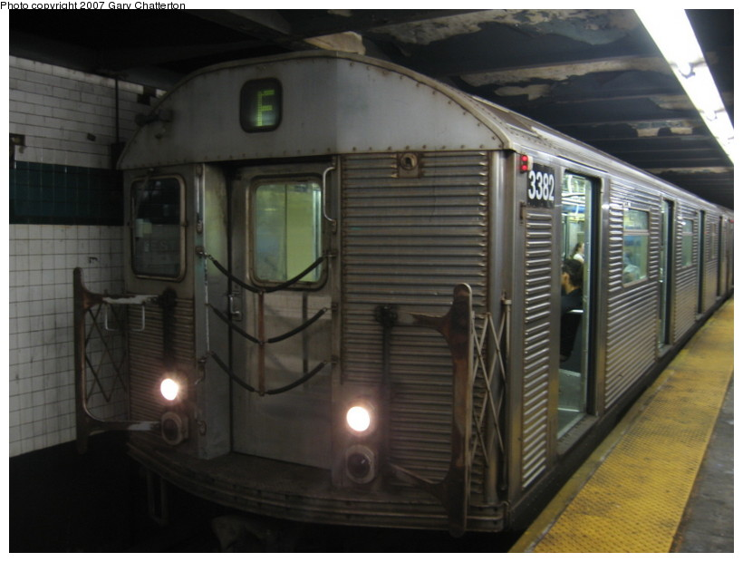 (110k, 820x620)<br><b>Country:</b> United States<br><b>City:</b> New York<br><b>System:</b> New York City Transit<br><b>Line:</b> IND 6th Avenue Line<br><b>Location:</b> West 4th Street/Washington Square <br><b>Route:</b> F<br><b>Car:</b> R-32 (Budd, 1964)  3382 <br><b>Photo by:</b> Gary Chatterton<br><b>Date:</b> 10/22/2007<br><b>Viewed (this week/total):</b> 1 / 1703