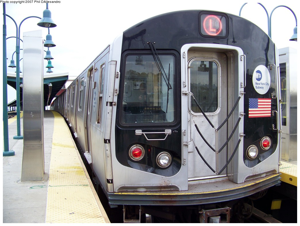 (219k, 1044x788)<br><b>Country:</b> United States<br><b>City:</b> New York<br><b>System:</b> New York City Transit<br><b>Line:</b> BMT Canarsie Line<br><b>Location:</b> Broadway Junction <br><b>Route:</b> L<br><b>Car:</b> R-143 (Kawasaki, 2001-2002) 8173 <br><b>Photo by:</b> Philip D'Allesandro<br><b>Date:</b> 11/2/2007<br><b>Viewed (this week/total):</b> 0 / 2051