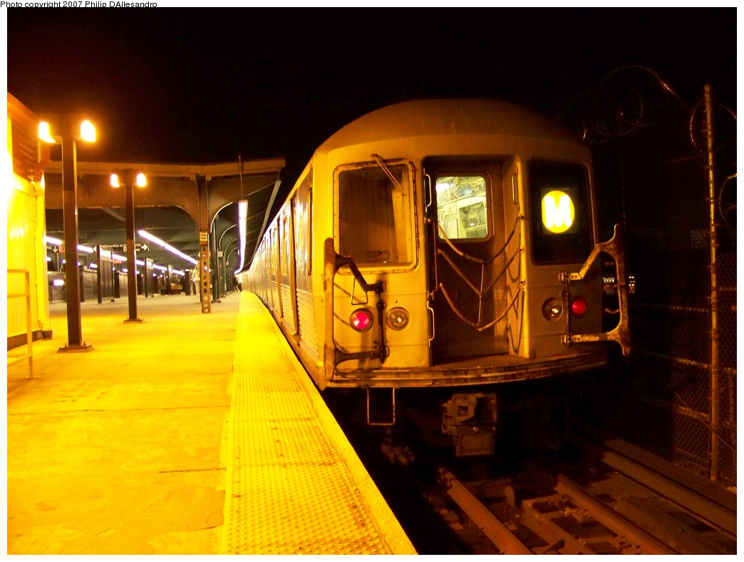 (191k, 1044x788)<br><b>Country:</b> United States<br><b>City:</b> New York<br><b>System:</b> New York City Transit<br><b>Line:</b> BMT Myrtle Avenue Line<br><b>Location:</b> Fresh Pond Road <br><b>Route:</b> M<br><b>Car:</b> R-42 (St. Louis, 1969-1970)  4857 <br><b>Photo by:</b> Philip D'Allesandro<br><b>Date:</b> 11/6/2007<br><b>Viewed (this week/total):</b> 0 / 1175