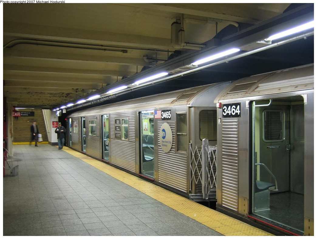 (206k, 1044x788)<br><b>Country:</b> United States<br><b>City:</b> New York<br><b>System:</b> New York City Transit<br><b>Line:</b> IND 8th Avenue Line<br><b>Location:</b> 207th Street <br><b>Route:</b> A<br><b>Car:</b> R-32 (Budd, 1964)  3465 <br><b>Photo by:</b> Michael Hodurski<br><b>Date:</b> 11/12/2007<br><b>Viewed (this week/total):</b> 1 / 1934