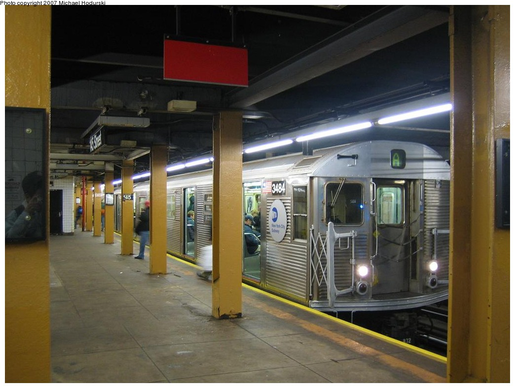 (182k, 1044x788)<br><b>Country:</b> United States<br><b>City:</b> New York<br><b>System:</b> New York City Transit<br><b>Line:</b> IND 8th Avenue Line<br><b>Location:</b> 145th Street <br><b>Route:</b> A<br><b>Car:</b> R-32 (Budd, 1964)  3484 <br><b>Photo by:</b> Michael Hodurski<br><b>Date:</b> 11/12/2007<br><b>Viewed (this week/total):</b> 6 / 2793