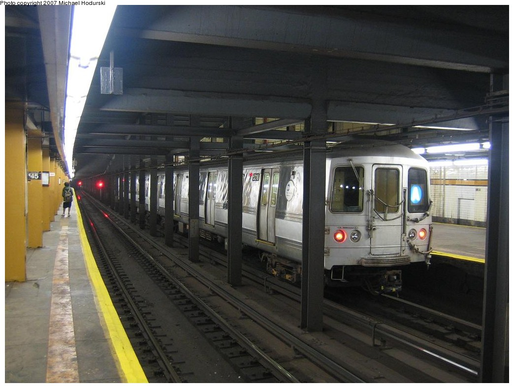 (188k, 1044x788)<br><b>Country:</b> United States<br><b>City:</b> New York<br><b>System:</b> New York City Transit<br><b>Line:</b> IND 8th Avenue Line<br><b>Location:</b> 145th Street <br><b>Route:</b> A<br><b>Car:</b> R-44 (St. Louis, 1971-73) 5218 <br><b>Photo by:</b> Michael Hodurski<br><b>Date:</b> 11/12/2007<br><b>Viewed (this week/total):</b> 2 / 2491