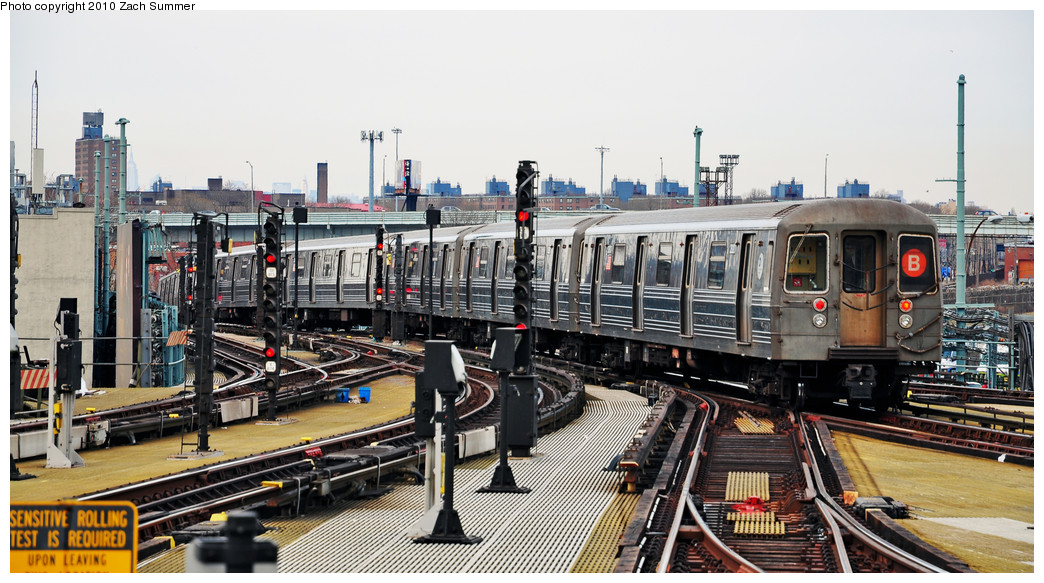 (258k, 1044x583)<br><b>Country:</b> United States<br><b>City:</b> New York<br><b>System:</b> New York City Transit<br><b>Location:</b> Coney Island/Stillwell Avenue<br><b>Route:</b> B Yard Move<br><b>Car:</b> R-68 (Westinghouse-Amrail, 1986-1988)  2820 <br><b>Photo by:</b> Zach Summer<br><b>Date:</b> 3/10/2010<br><b>Viewed (this week/total):</b> 1 / 543