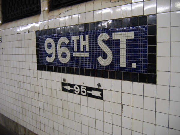 (41k, 600x450)<br><b>Country:</b> United States<br><b>City:</b> New York<br><b>System:</b> New York City Transit<br><b>Line:</b> IND 8th Avenue Line<br><b>Location:</b> 96th Street <br><b>Photo by:</b> Professor J<br><b>Date:</b> 10/25/2007<br><b>Viewed (this week/total):</b> 2 / 1237