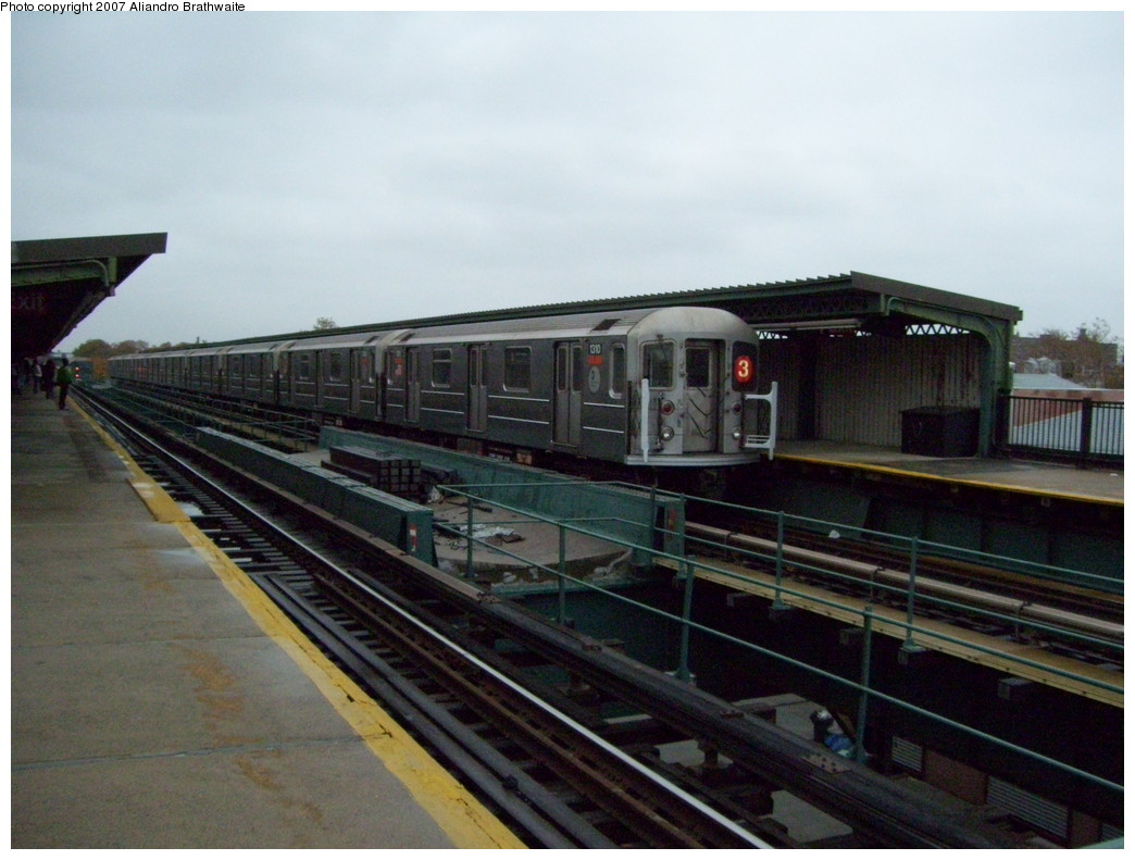 (202k, 1044x791)<br><b>Country:</b> United States<br><b>City:</b> New York<br><b>System:</b> New York City Transit<br><b>Line:</b> IRT Brooklyn Line<br><b>Location:</b> Van Siclen Avenue <br><b>Route:</b> 3<br><b>Car:</b> R-62 (Kawasaki, 1983-1985)  1310 <br><b>Photo by:</b> Aliandro Brathwaite<br><b>Date:</b> 11/20/2007<br><b>Viewed (this week/total):</b> 4 / 2149