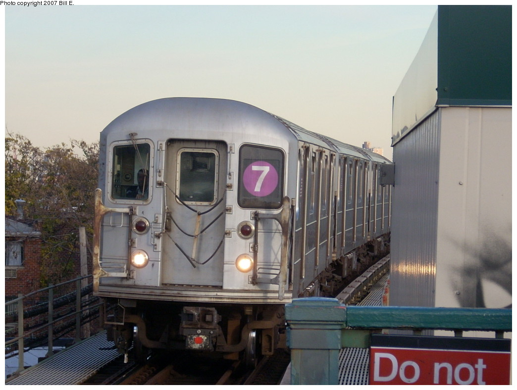(208k, 1044x788)<br><b>Country:</b> United States<br><b>City:</b> New York<br><b>System:</b> New York City Transit<br><b>Line:</b> IRT Flushing Line<br><b>Location:</b> Junction Boulevard <br><b>Route:</b> 7<br><b>Car:</b> R-62A (Bombardier, 1984-1987)   <br><b>Photo by:</b> Bill E.<br><b>Date:</b> 11/24/2007<br><b>Viewed (this week/total):</b> 7 / 1277