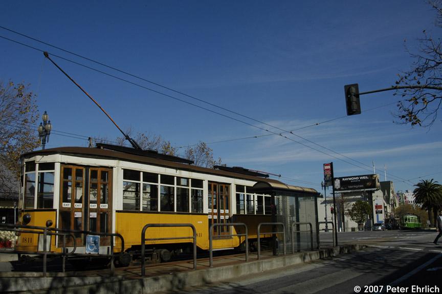 (160k, 864x574)<br><b>Country:</b> United States<br><b>City:</b> San Francisco/Bay Area, CA<br><b>System:</b> SF MUNI<br><b>Location:</b> Market/15th/Sanchez <br><b>Car:</b> Milan Milano/Peter Witt (1927-1930)  1811 <br><b>Photo by:</b> Peter Ehrlich<br><b>Date:</b> 11/14/2007<br><b>Notes:</b> Market/Sanchez/15th Street inbound.  With 1818 (Milan 1929 2-tone green) outbound.<br><b>Viewed (this week/total):</b> 0 / 456
