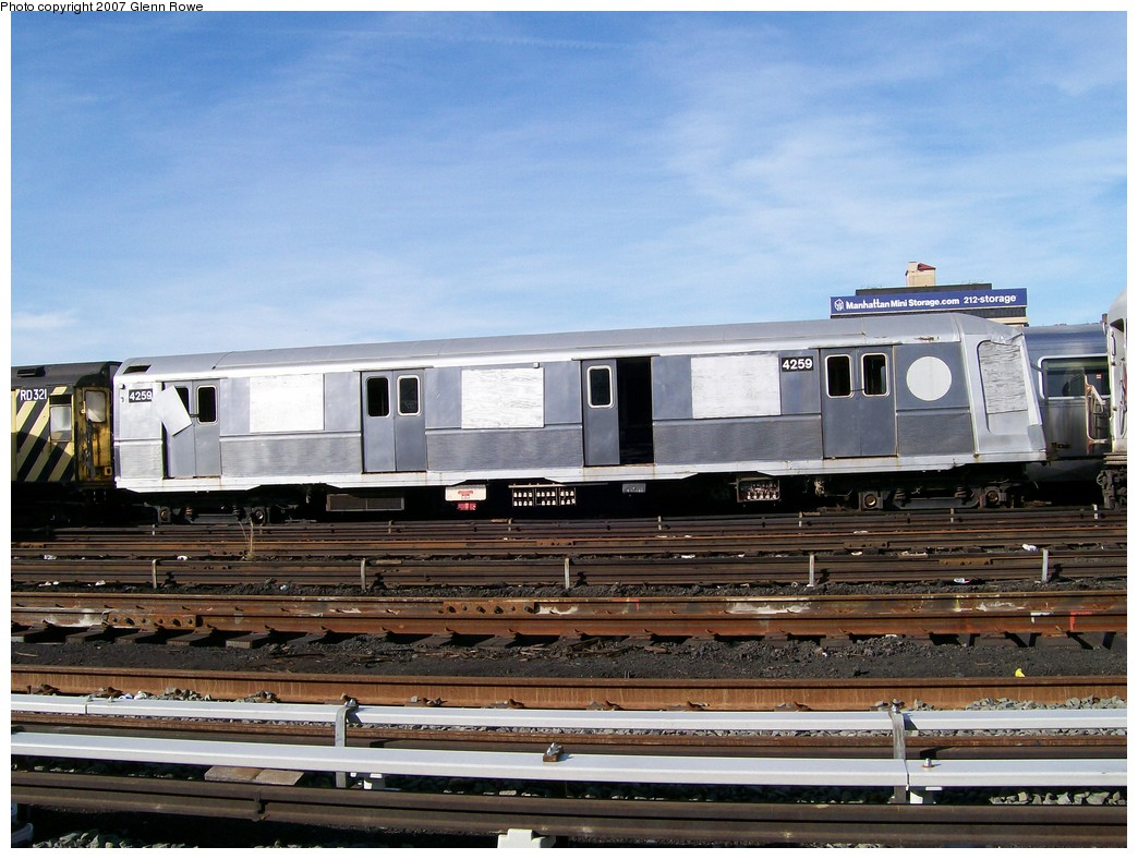 (217k, 1044x788)<br><b>Country:</b> United States<br><b>City:</b> New York<br><b>System:</b> New York City Transit<br><b>Location:</b> 207th Street Yard<br><b>Car:</b> R-40 (St. Louis, 1968)  4259 <br><b>Photo by:</b> Glenn L. Rowe<br><b>Date:</b> 11/28/2007<br><b>Viewed (this week/total):</b> 2 / 2046