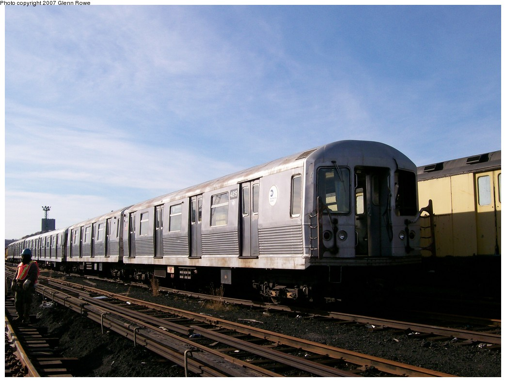 (182k, 1044x788)<br><b>Country:</b> United States<br><b>City:</b> New York<br><b>System:</b> New York City Transit<br><b>Location:</b> 207th Street Yard<br><b>Car:</b> R-42 (St. Louis, 1969-1970)  4819 <br><b>Photo by:</b> Glenn L. Rowe<br><b>Date:</b> 11/28/2007<br><b>Notes:</b> Cars involved in bumper block hit at Chambers Street, 11/6/2007.<br><b>Viewed (this week/total):</b> 0 / 1712