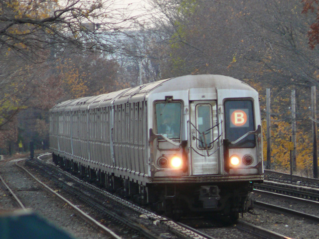(190k, 640x480)<br><b>Country:</b> United States<br><b>City:</b> New York<br><b>System:</b> New York City Transit<br><b>Line:</b> BMT Brighton Line<br><b>Location:</b> Neck Road <br><b>Route:</b> B<br><b>Car:</b> R-40 (St. Louis, 1968)   <br><b>Photo by:</b> John Urbanski<br><b>Date:</b> 11/29/2007<br><b>Viewed (this week/total):</b> 1 / 1502