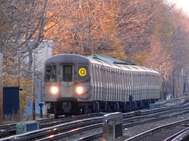 (193k, 640x480)<br><b>Country:</b> United States<br><b>City:</b> New York<br><b>System:</b> New York City Transit<br><b>Line:</b> BMT Brighton Line<br><b>Location:</b> Avenue U <br><b>Route:</b> Q<br><b>Car:</b> R-68/R-68A Series (Number Unknown)  <br><b>Photo by:</b> John Urbanski<br><b>Date:</b> 11/29/2007<br><b>Viewed (this week/total):</b> 0 / 1800