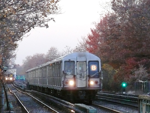 (178k, 640x480)<br><b>Country:</b> United States<br><b>City:</b> New York<br><b>System:</b> New York City Transit<br><b>Line:</b> BMT Brighton Line<br><b>Location:</b> Neck Road <br><b>Route:</b> B<br><b>Car:</b> R-40 (St. Louis, 1968)   <br><b>Photo by:</b> John Urbanski<br><b>Date:</b> 11/29/2007<br><b>Viewed (this week/total):</b> 1 / 1710