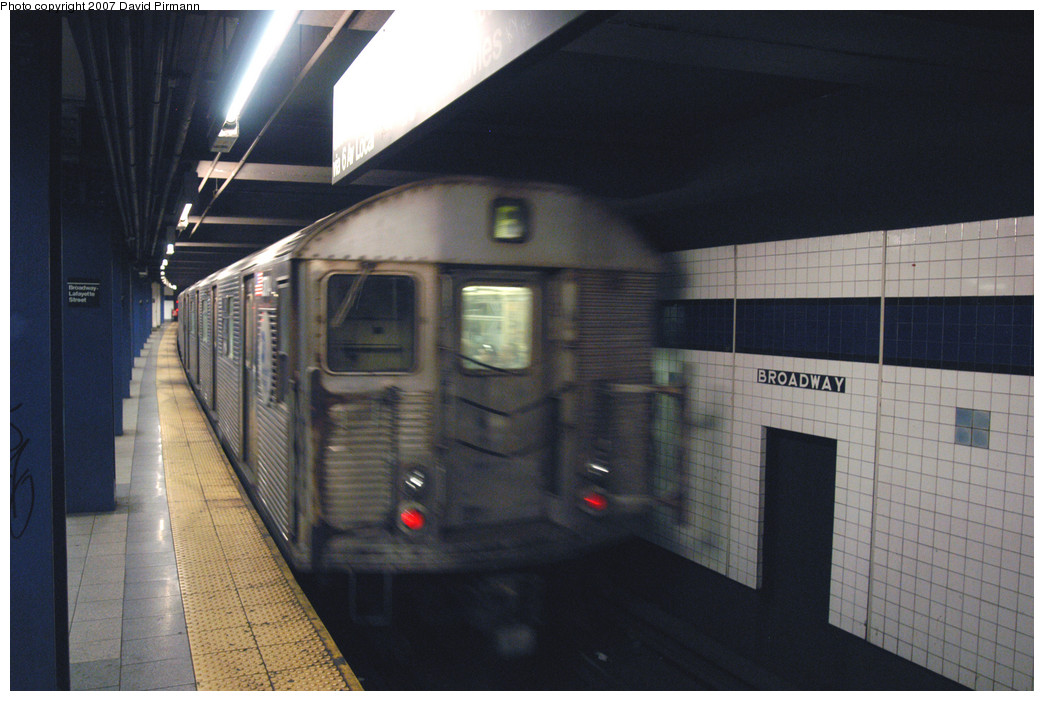(227k, 1044x701)<br><b>Country:</b> United States<br><b>City:</b> New York<br><b>System:</b> New York City Transit<br><b>Line:</b> IND 6th Avenue Line<br><b>Location:</b> Broadway/Lafayette <br><b>Route:</b> E<br><b>Car:</b> R-32 (Budd, 1964)  3704 <br><b>Photo by:</b> David Pirmann<br><b>Date:</b> 12/9/2007<br><b>Viewed (this week/total):</b> 1 / 1448